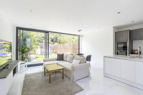 3 bedroom flat for sale - Broadhurst Gardens , NW6 3BH