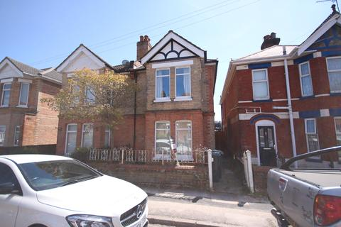 4 bedroom semi-detached house to rent - Hankinson Road BOURNEMOUTH