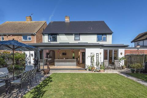 4 bedroom detached house for sale - Queens Avenue, Broadstairs