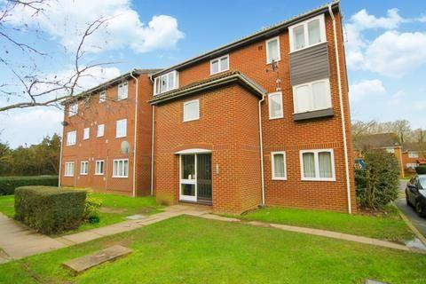 1 bedroom flat to rent - Wivenhoe Court,  Staines Road, Hounslow