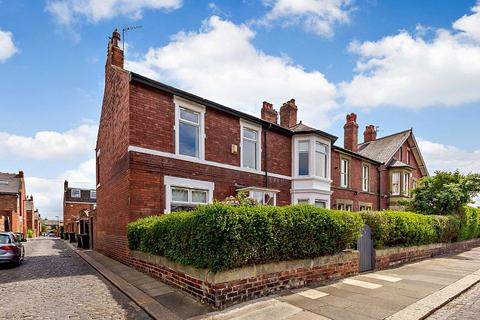 3 bedroom terraced house for sale - Harley Terrace, Gosforth, Newcastle Upon Tyne, Tyne And Wear