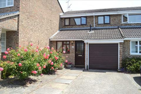 3 bedroom semi-detached house for sale - Foxglove Way, Springfield, Chelmsford