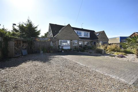 4 bedroom semi-detached house for sale - Tobyfield Road, Bishops Cleeve, Cheltenham, Gloucestershire, GL52