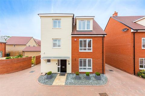 5 bedroom detached house for sale - Fairway Drive, Chelmsford, Essex, CM3