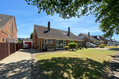 3 bedroom semi-detached house for sale - Oaklands Way, Titchfield Common