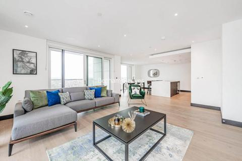 3 bedroom apartment to rent - Sovereign Court, Hammersmith, W6