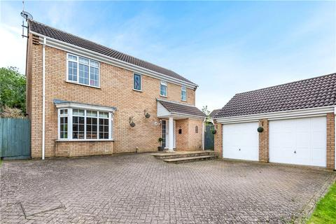 4 bedroom detached house for sale - Hollyhill, Towcester, Northamptonshire, NN12