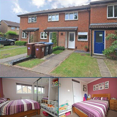 2 bedroom terraced house for sale - The Squirrels, Welwyn Garden City, Hertfordshire