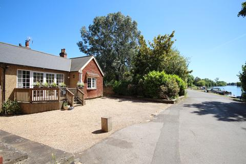 3 bedroom detached bungalow for sale - River Road