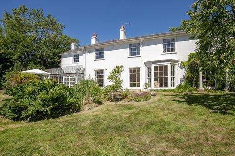 6 bedroom detached house for sale - Elphinstone Road, Hastings, East Sussex. TN34 2BP