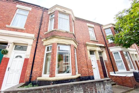 2 bedroom flat for sale - Candlish Street, South Shields