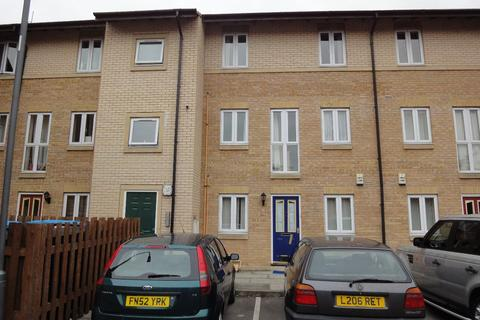 3 bedroom flat to rent - Flat 19 Bramwell Court