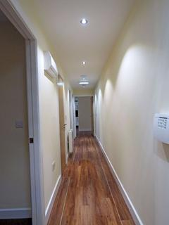 4 bedroom apartment to rent - Apt 1 Devonshire Point