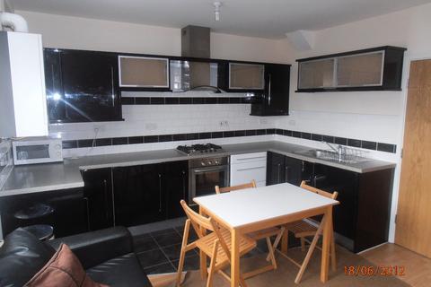 3 bedroom flat to rent - 351a Glossop Road