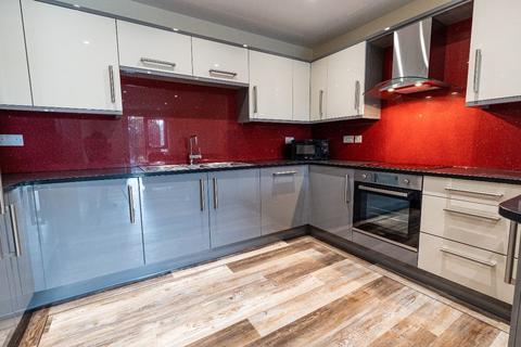3 bedroom apartment to rent - 28 Ecco