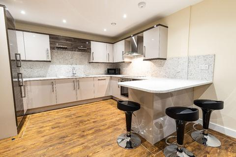 3 bedroom apartment to rent - 64 Ecco