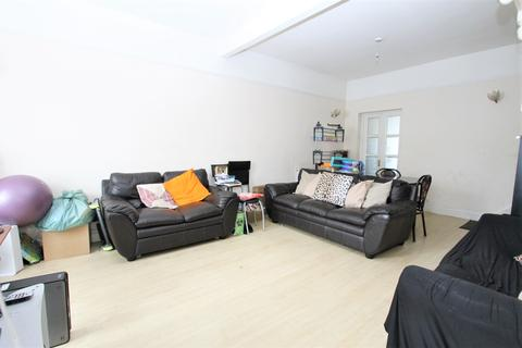 2 bedroom house for sale - Town Road, London, N9