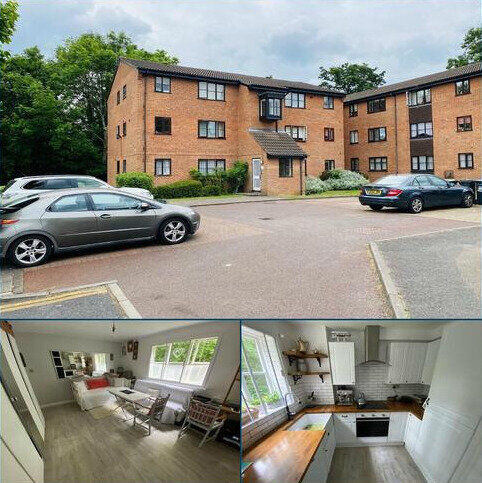 Studio for sale - Tempsford Close, Enfield, Middlesex