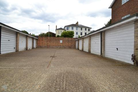 Garage to rent - Surbiton