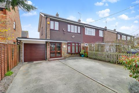 3 bedroom semi-detached bungalow for sale - London Road, Benfleet