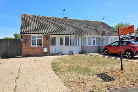 2 bedroom semi-detached bungalow for sale - Briarwood Avenue, Holland on Sea, Clacton on Sea