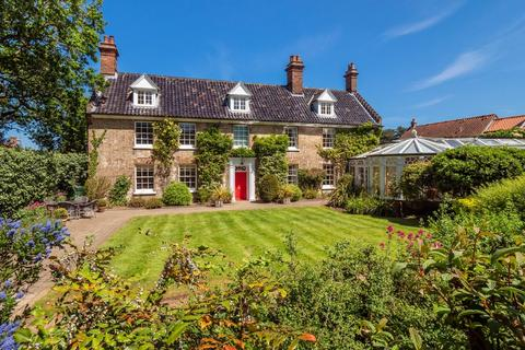 7 bedroom manor house for sale - East Runton