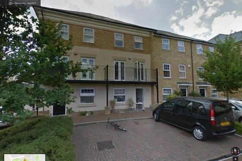 1 bedroom in a house share to rent - Hawkesmoor Grove, Bromley