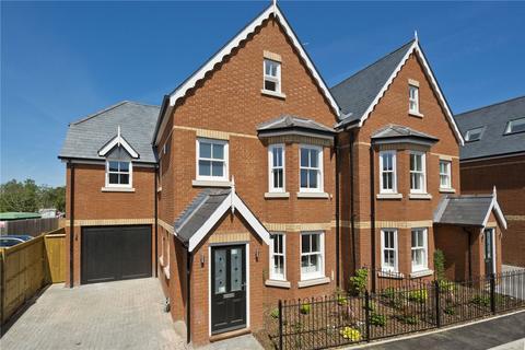 4 bedroom semi-detached house for sale - Holstein Avenue, Weybridge, KT13