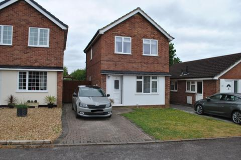3 bedroom detached house for sale - Gleneagles Drive, Winsford