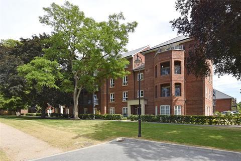 2 bedroom flat to rent - Windsor Court, Portland Crescent, Marlow, Buckinghamshire, SL7