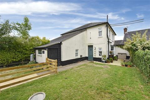 3 bedroom semi-detached house to rent - Wycombe Road, Studley Green, High Wycombe, Buckinghamshire, HP14