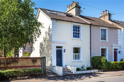 3 bedroom end of terrace house for sale - Birkheads Road, Reigate, Surrey, RH2