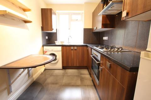 2 bedroom apartment to rent - Crownstone Court, London