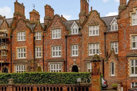 5 bedroom townhouse for sale - Queens Terrace, Kings Road, Windsor, Berkshire