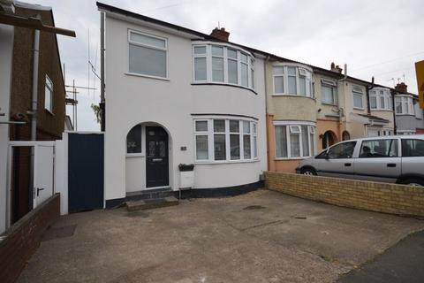 3 bedroom semi-detached house for sale - Blundell Road, Luton