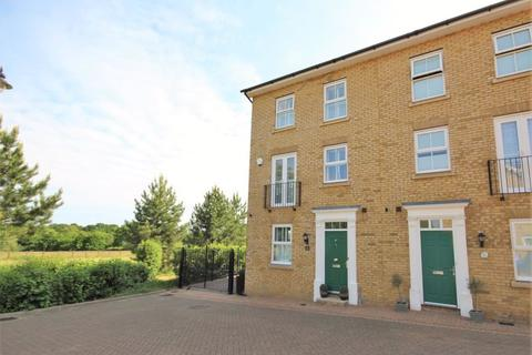3 bedroom semi-detached house for sale - Norton Place, Billericay