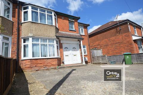 4 bedroom flat to rent -  Ref: A , Osborne Road South, Southampton,  SO17 2FE