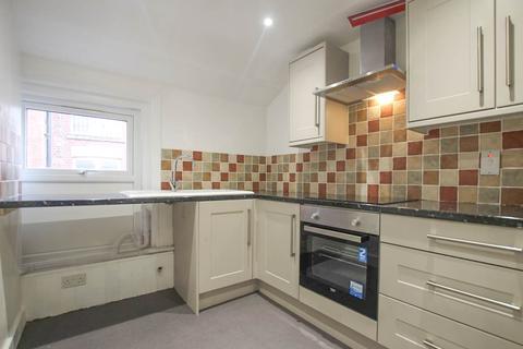 2 bedroom flat to rent - High Street, Llandrindod Wells, LD1