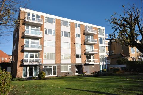 2 bedroom apartment for sale - 297 Clifton Drive South, Lytham St Annes, FY8