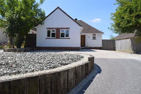 2 bedroom detached bungalow for sale - Wimborne Road, Wimborne, Dorset