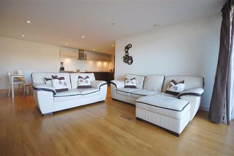 3 bedroom flat to rent - Ruislip