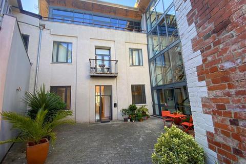2 bedroom apartment to rent - The Old Telephone Exchange, Queen Street, Newton Abbot