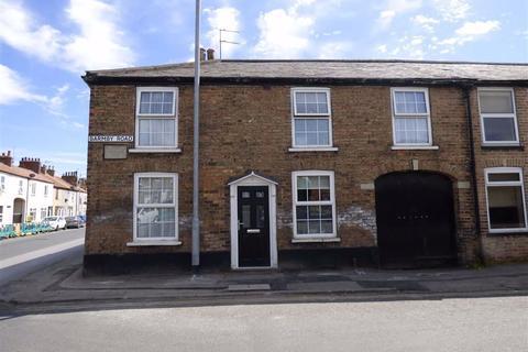 3 bedroom terraced house - Barmby Road, Pocklington