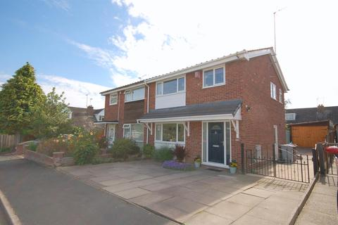 3 bedroom semi-detached house for sale - Sharnbrook Drive, Crewe