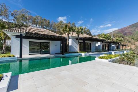 6 bedroom villa - La Zagaleta, Benahavis, Malaga