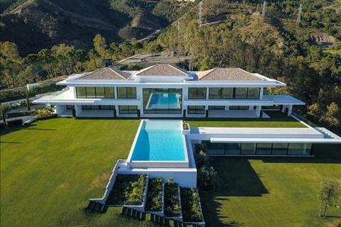 9 bedroom villa - La Zagaleta, Benahavis, Malaga