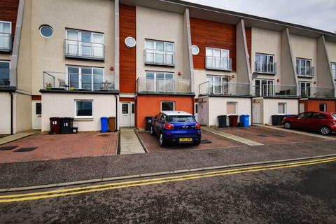 4 bedroom townhouse to rent - Eden Bank, Stobswell, Dundee, DD4 6EN