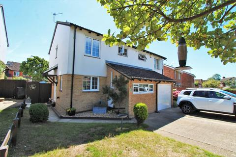 3 bedroom semi-detached house for sale - Porlock Place, Calcot, Reading, RG31 7AR