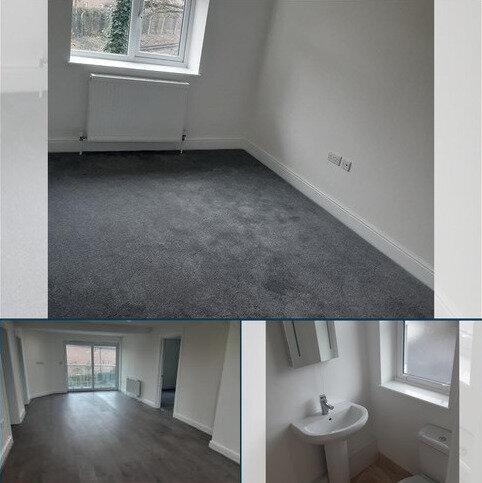 2 bedroom flat to rent - waddon road CR0