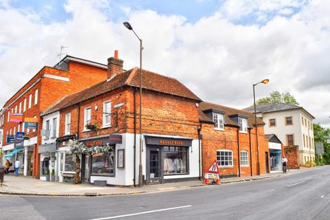 2 bedroom apartment to rent - Station Road, Marlow